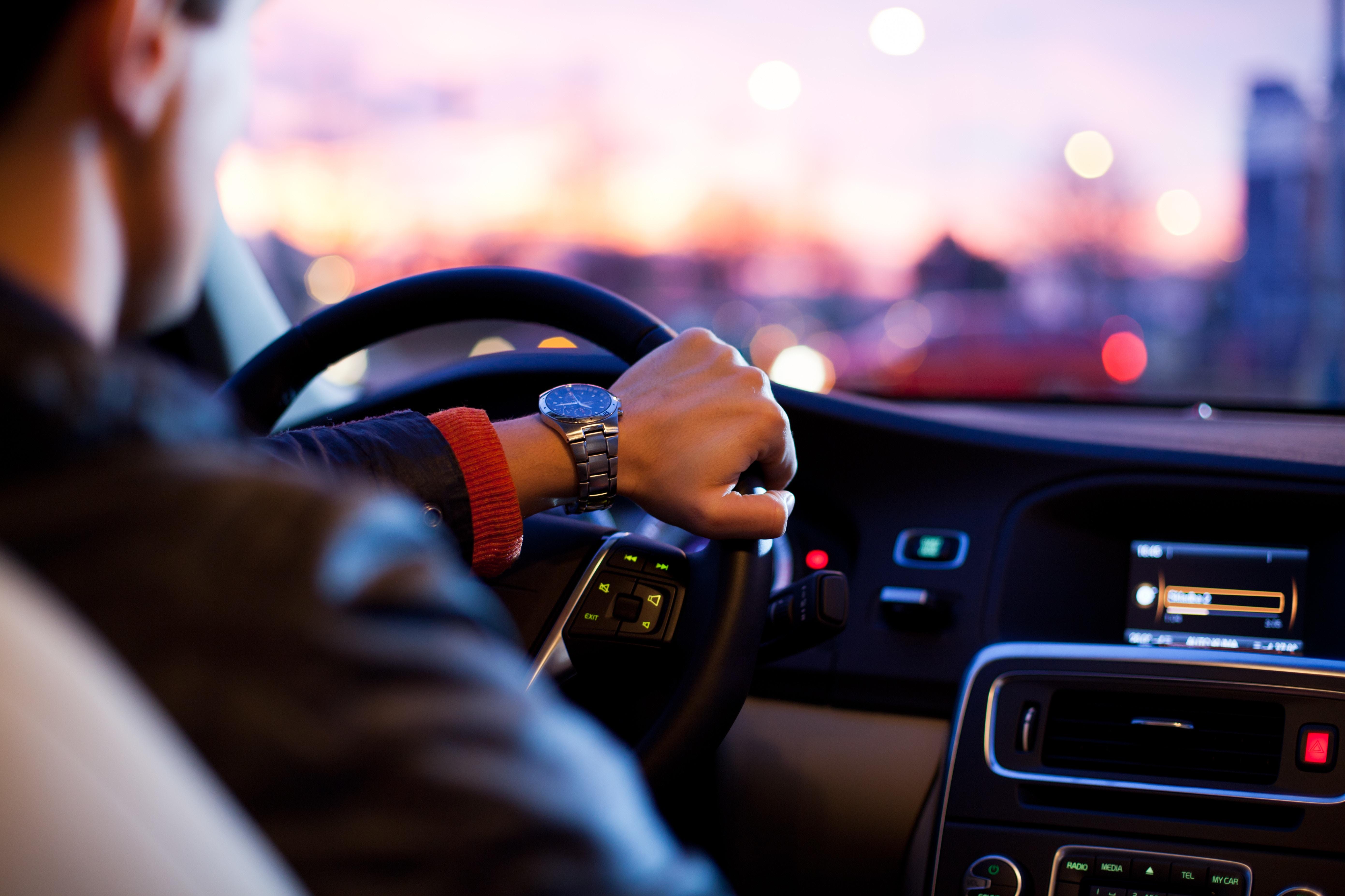 Soignez votre peur de conduire avec l'hypnose