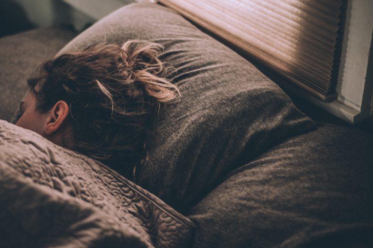 Vous souffrez de trouble du sommeil ? Essayez l'hypnose