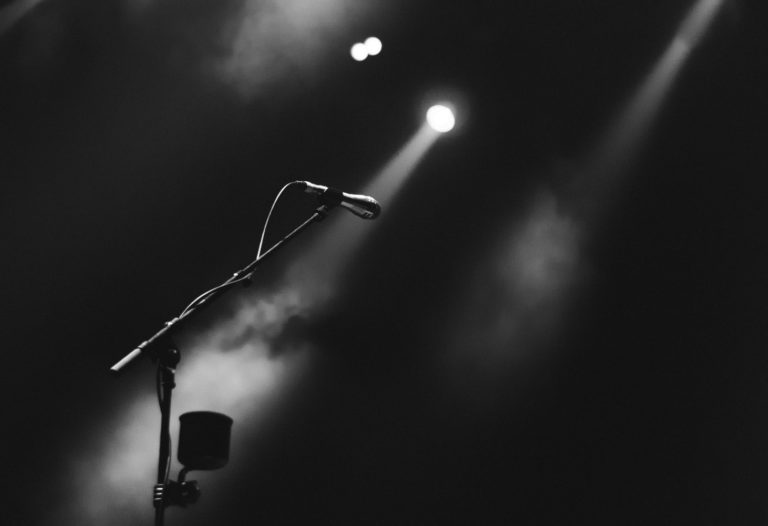 Délire de type Truman Show: quand une victime se sent souvent sous le feu des projecteurs