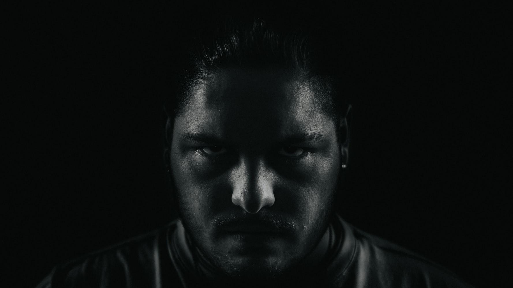 L'amok: symptômes et traitements